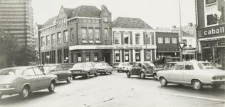 4642 Verkeersdrukte op het Simonsplein hoek Heezenstraat-Grutstraat