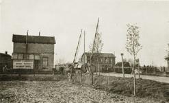 5430 Spoorwegovergang met het oude stationsgebouw Doetinchem - Wijnbergen