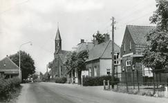 1095-28-406 Dorpskern met kerk