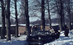 7237 Waterbergseweg. Auto in de sneeuw, 1963