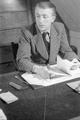 7373 Johan v.d. Woude, schrijver, 13-12-1946
