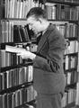 7380 Johan v.d. Woude, schrijver, 13-12-1946
