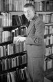 7383 Johan v.d. Woude, schrijver, 13-12-1946