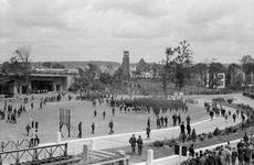 126 FOTOCOLLECTIES - DRIESSEN / RAAYEN, 8 juni 1945