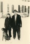 210 Dr. Albert Luyken en dochter Berty. Op achtergrond huis Landfort