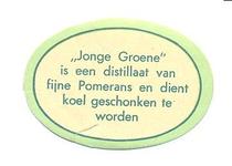 064 Jonge groene is een distillaat van fijne Pomerans en dient koel geschonken te worden. [Ph. van Perlstein & Zn NV]