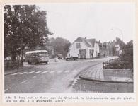 502 Straatbeeld met bus bij 'De Driehoek'