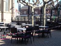 NL-DtcSARA_1628_0038 Horeca moet terrassen sluiten voor publiek