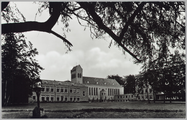 4601 Insula Dei , Arnhem. Gezicht op Schippersschool, Kapel en Verpleeghuis, ca. 1960