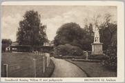 4648 Standbeeld Koning Willem II met parkgezicht Bronbeek bij Arnhem, ca. 1920