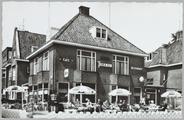 5282 Hotel Café Restaurant Trianon Arnhem Zijpendaalseweg 95 (t.o. Sonsbeek) Telefoon 0 8300-24573, ca. 1950