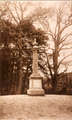 1956 Oosterbeek Monument Kneppelhout , 1920-1930