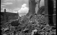 1242 Arnhem verwoest, 1945