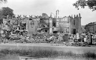 565 FOTOCOLLECTIES - DRIESSEN / RAAYEN, 1945