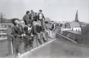 17625-0002 Punkers kraken bedrijfsgebouw aan de Bergstraat, 18-04-1984