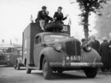 2385 HULPACTIES, 11 september 1945