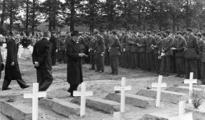 2475 HERDENKINGEN, 25 september 1945