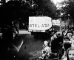 2638 AMSTERDAM HELPT ARNHEM, 11 september 1945