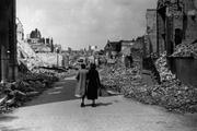 3919 VERWOESTINGEN, 1945