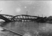 122 Verkeersbrug Arnhem, mei 1940