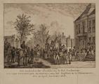 1769 Het aanbieden der sleutels, van de stad Amsterdam aan zijne koninklijke majesteit, voor het regthuis in de ...
