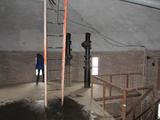 10037 binnenkant watertoren op de verdieping aan het Fabriekslaantje bij de Echteldsedijk, 12-12-2012